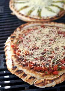 Pungent-Pizza-on-the-Grill