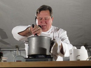 ...and here's poppa throwing down during Friday's tropical cooking demo.