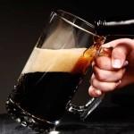 dark-beer-into-mug