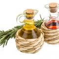 Oil, vinegar and rosemary