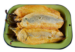 Classic New Mexican Chiles Rellenos